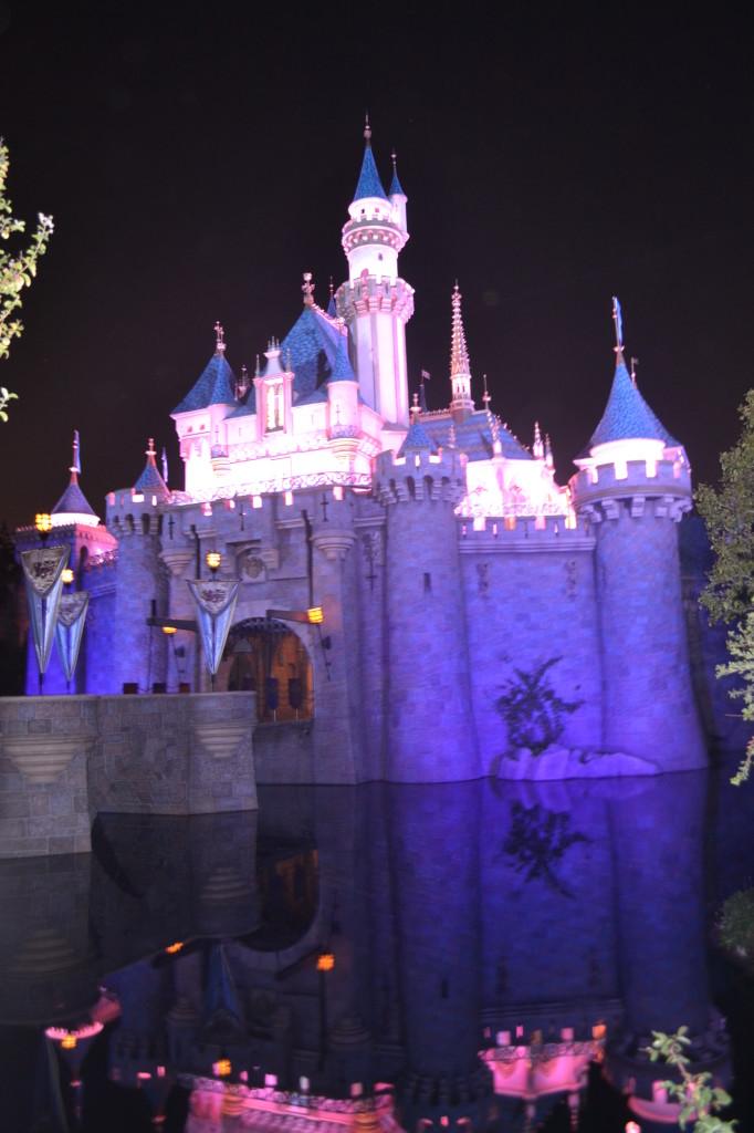 ways to save at Disneyland