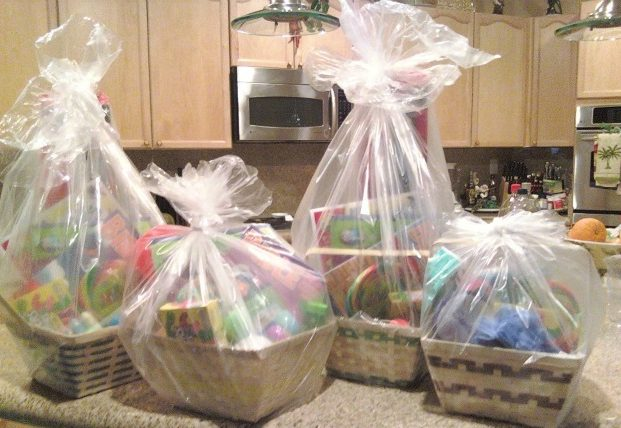 Homemade easter basket ideas under 10 homemade easter basket ideas from momslifeboat ginahorne easter negle Image collections