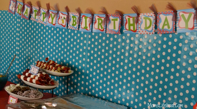 Dr Seuss Birthday Party Ideas -Decorations 2